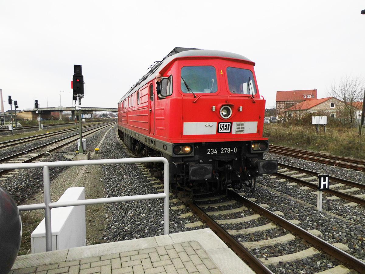 16.12.2018 Sonderfahrt Kiel Wernigerode; umsetzen im Bhf Halberstadt