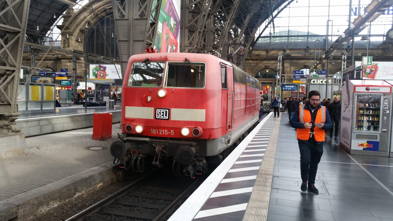 Übernahme der Lok 181-215 am 30.10.2019 von der DB-Fernverkehr in Frankfurt/Main